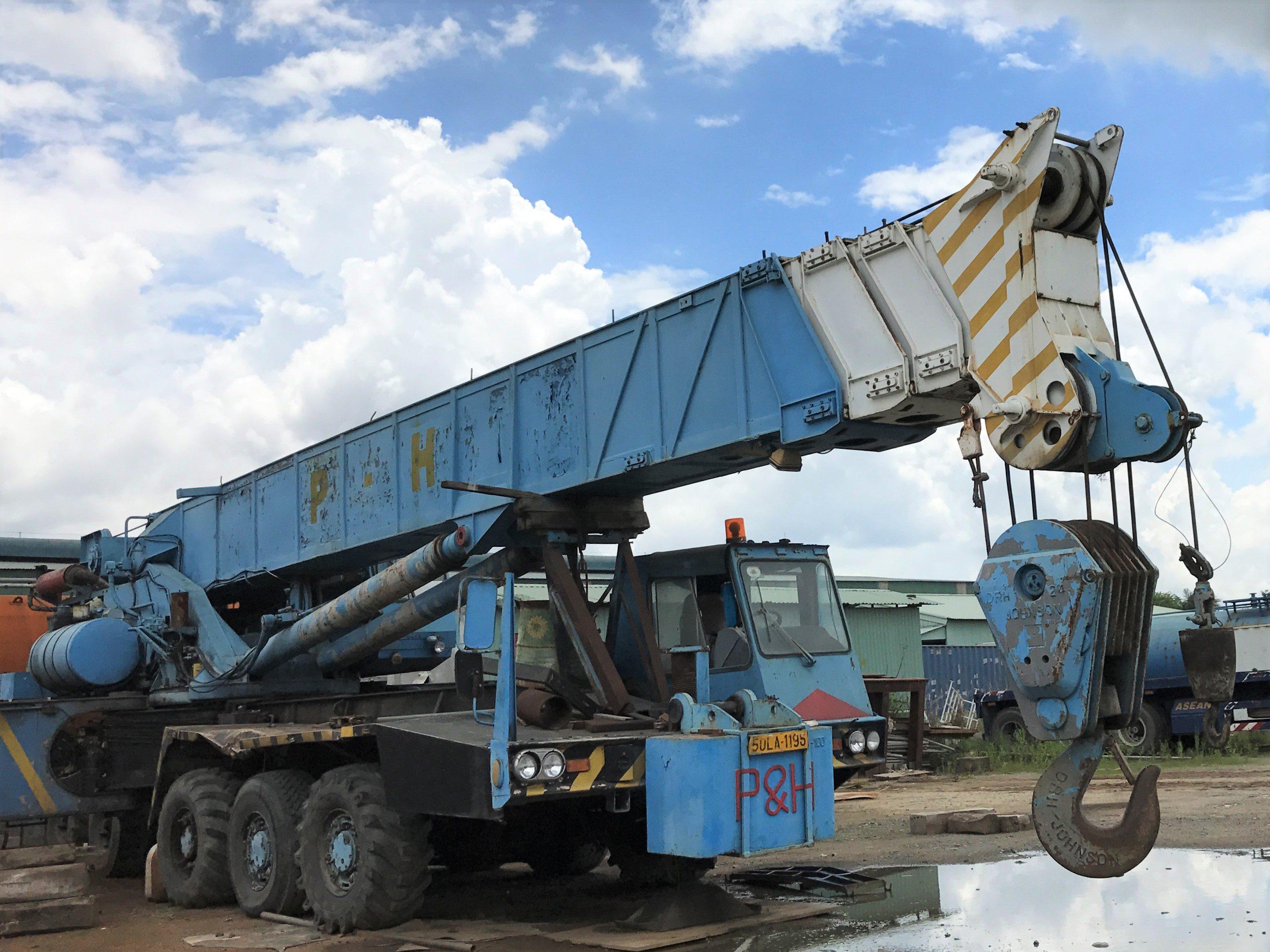 Crane 100Mt